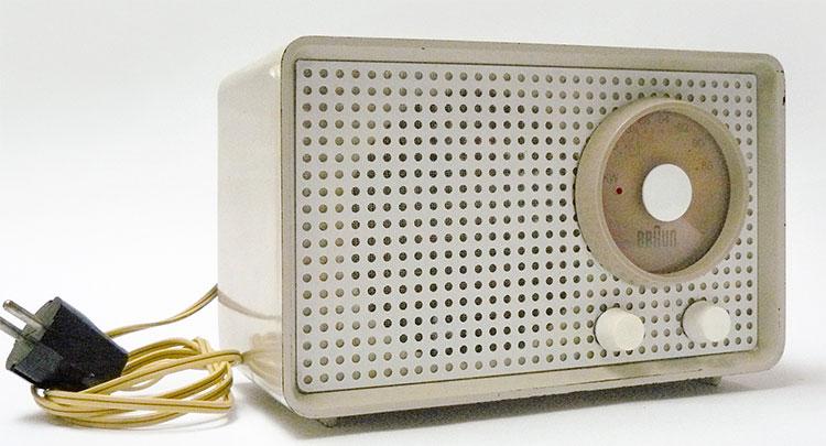 Radio của hãng Braun.