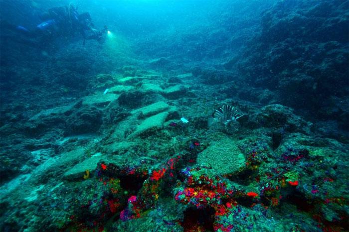 Con tàu được cho là có niên đại từ khoảng năm 1600 trước Công nguyên.