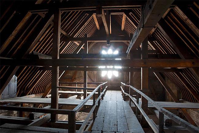 Bộ khung bằng gỗ của Nhà thờ Đức Bà Paris.