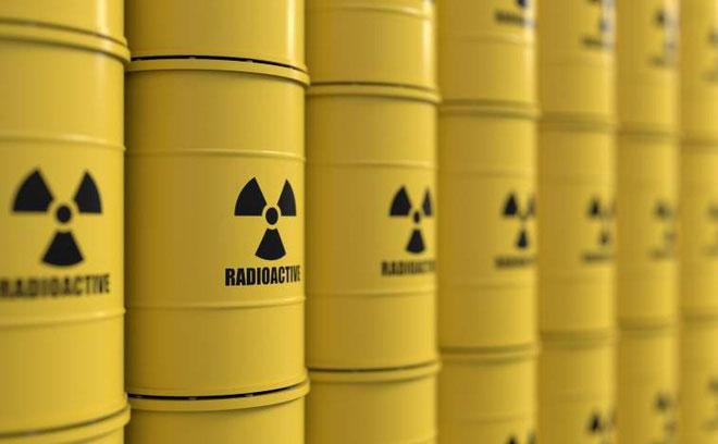 Cậu học sinh này mua Uranium trên mạng và xử lý biến nó thành quặng Uranium.