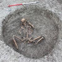 """Bí hiểm """"hài cốt người bị hiến tế"""" 3000 năm tại Anh"""