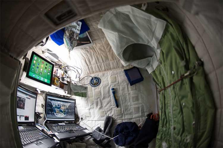 Góc làm việc của phi hành gia Scott Kelly ở ISS.