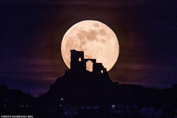 Mặt trăng quan sát tại Cheshire