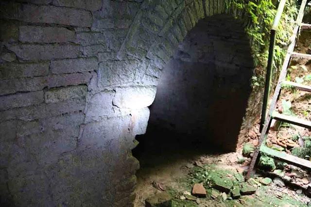 Cả ba cửa hầm hiện đã bị bịt kín từ thời Lý, đến nay không ai dám phá cửa đi sâu vào bên trong.