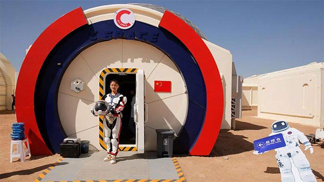 Trạm được xây dựng ở khu vực hẻo lánh nhất của sa mạc Gobi khô cằn.