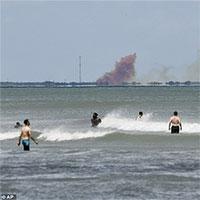 Mỹ: Khói bốc mù trời trong sự cố thử nghiệm tàu vũ trụ