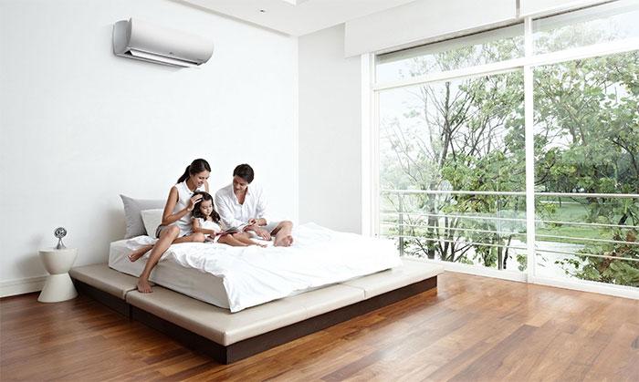 Thỉnh thoảng hãy mở cửa phòng để trao đổi không khí với bên ngoài.