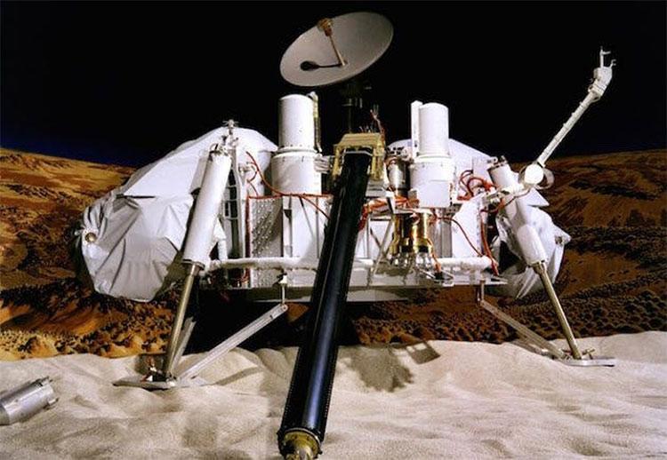 Tên lửa Titan IIIE/Centaur đã triển khai hai tàu thăm dò Viking và gửi chúng đến các quỹ đạo khác nhau.