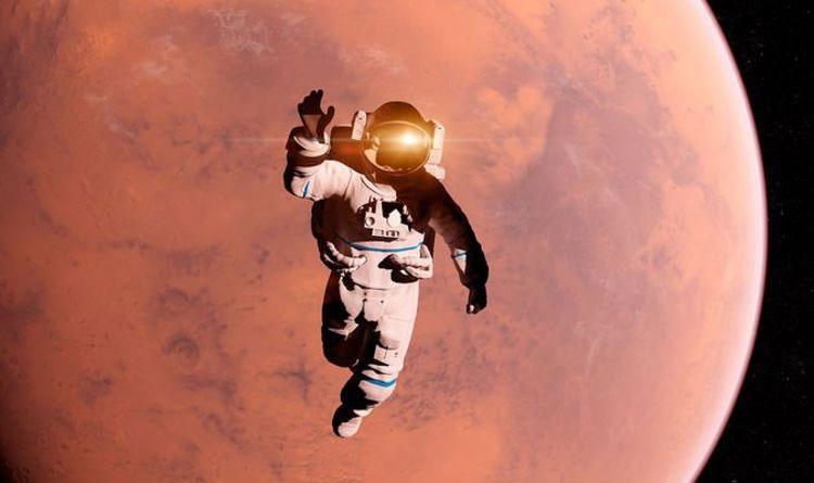 Phi hành gia sẽ đeo kính bơi để bảo vệ mắt trong không gian.