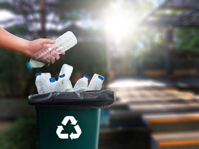 Kết quả hình ảnh cho thùng rác giảm ô nhiễm môi trường