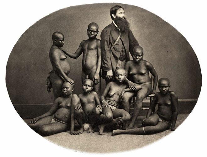"""Bà Gujral nói rằng bà muốn vạch trần một quan điểm phổ biến rằng """"tất cả các bức ảnh đã được chụp bởi những người thực dân""""."""