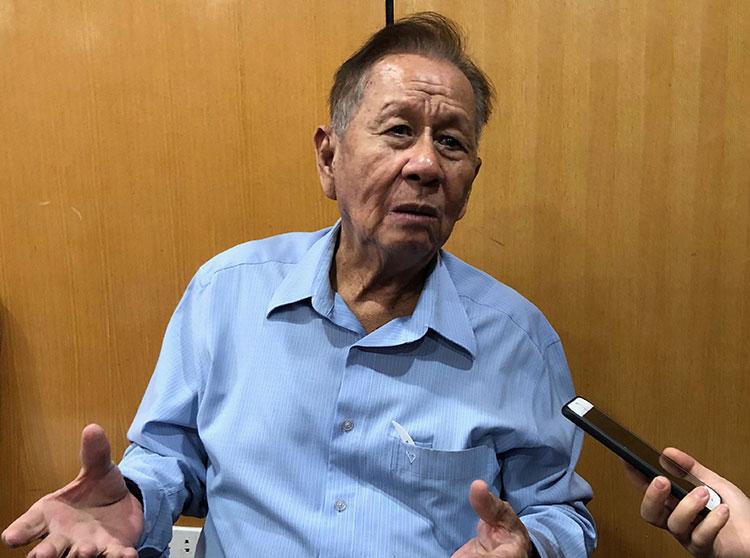 GS.TS Trần Kim Quy nói ông dùng cả sinh mạng đánh cược sẽ kiếm bộn tiền rừ rác.