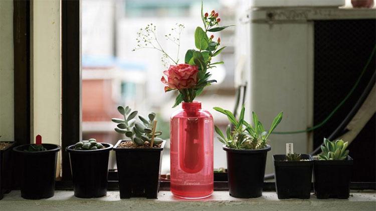 Chiếc bình chữa cháy nhìn không khác mấy so với bình hoa thông thường