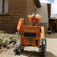 Cậu sinh viên chế tạo thành công Robot Wall-E từ vật liệu thu lượm được ở bãi rác