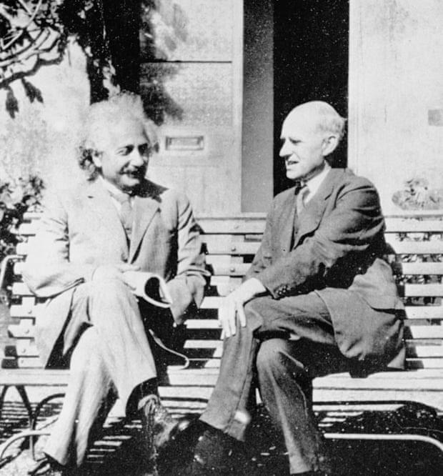 Einstein và Eddington gặp nhau năm 193