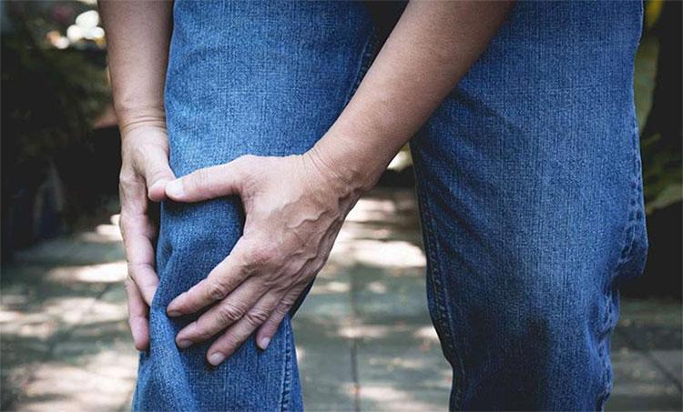 Viêm xương khớp là tác nhân gây tàn tật hàng đầu ở người cao tuổi.