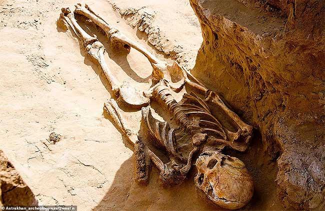 Bộ xương quý tộc 2.000 năm tuổi mới được phát hiện ở Nga.