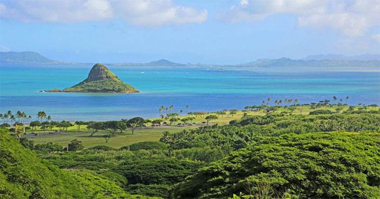 Khu vực vịnh Kāne'ohe ở Hawaii.