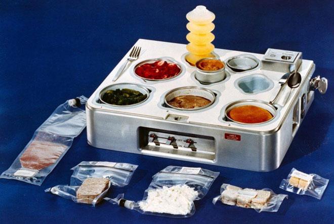 Đến giai đoạn phóng trạm vũ trụ Skylab vào những năm 1970, thực phẩm lúc này đã đa dạng hơn.