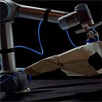 Sewbo - Robot thợ may hứa hẹn sẽ giúp tự động hóa toàn bộ quá trình sản xuất quần áo
