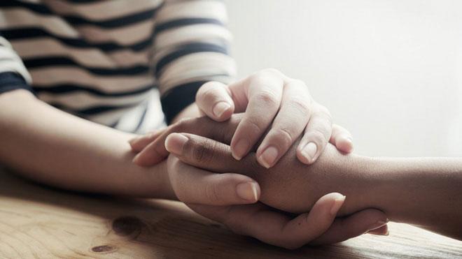 Nên nói với họ rằng họ quan trọng với bạn đến mức nào, rằng bạn cần họ trong cuộc đời.