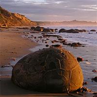 """Cảnh siêu thực như ngoài hành tinh ở bãi đá """"trứng rồng"""" hàng chục triệu năm tuổi"""