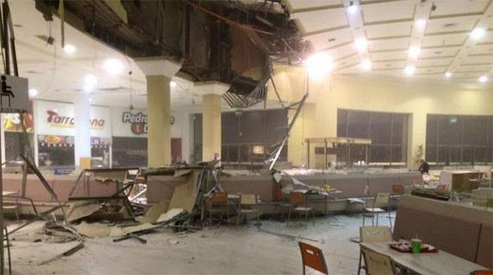 Bên trong một tòa nhà bị hư hại sau trận động đất ở Peru.