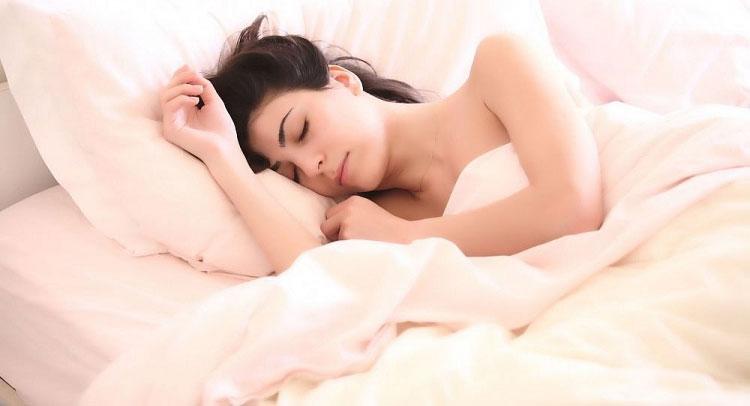 Bộ đồ ngủ cho phép người mặc theo dõi được diễn biến giấc ngủ ngay cả lúc ở nhà.