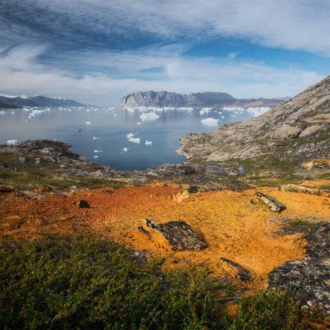 Mật độ dân số trên đảo Greenland là một trong những nơi thưa thớt nhất thế giới.