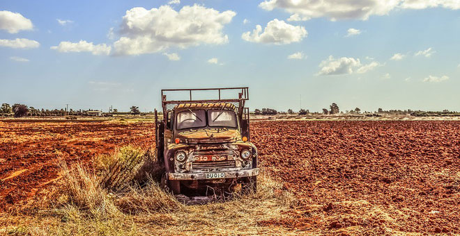 Việc lao động nặng nhọc ở nông thôn dần không còn nữa.