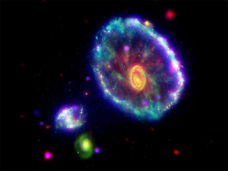 10 bức ảnh vũ trụ vô giá được chụp bởi kính viễn vọng Spitzer của NASA - a10
