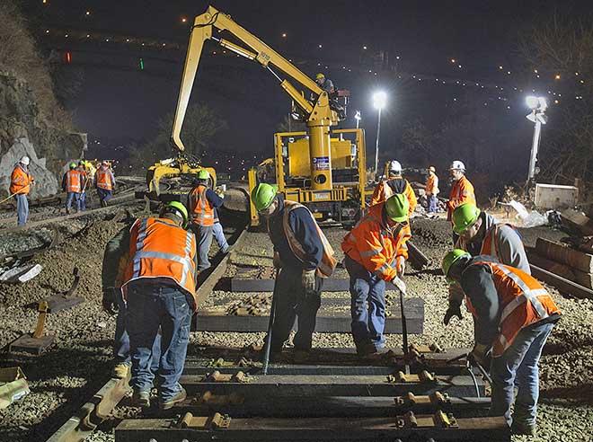 Làm việc ca đêm thường xuyên gây rối loạn giấc ngủ, mệt mỏi dẫn đến tai nạn lao động.