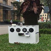 Máy lọc khí đường phố của học sinh: Vừa chặn bụi mịn, vừa làm biển quảng cáo