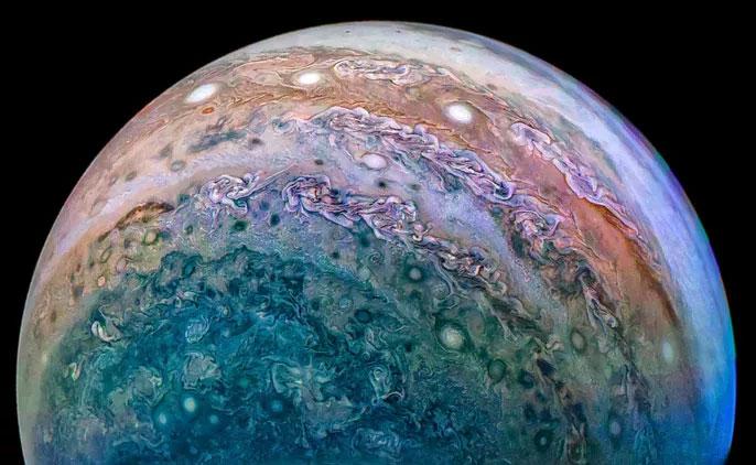 Sao Mộc với những siêu bão tạo nên họa tiết tuyệt đẹp như tranh Van Gogh khi quan sát từ tàu vũ trụ Juno