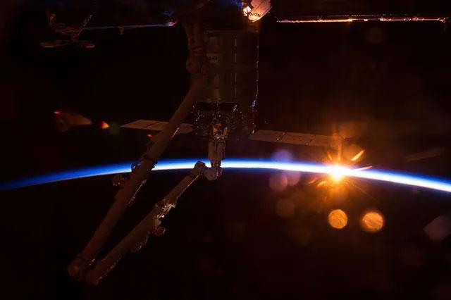 """NASA đang lên kế hoạch """"thương mại hoá"""" trạm vũ trụ quốc tế ISS."""