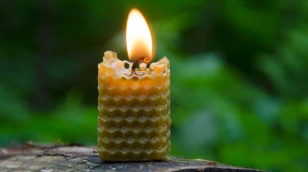 Nến sáp ong có tác dụng thanh lọc không khí trong nhà
