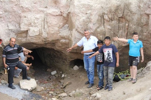 Lối vào thành phố cổ mới được phát hiện.