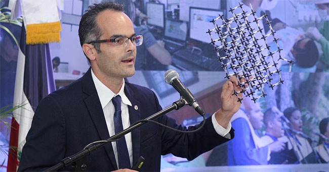 Fabrice Piazza, tác giả nghiên cứu, giới thiệu về vật liệu nano mới