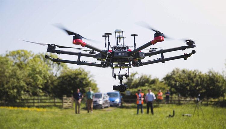 Máy bay không người lái (Drone)
