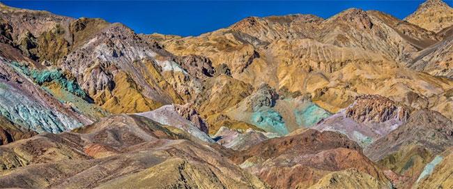 Bảng màu giữa thung lũng