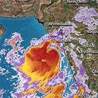 Hàng triệu người Ấn Độ đối mặt với cơn bão lớn nhất trong hàng thập kỷ