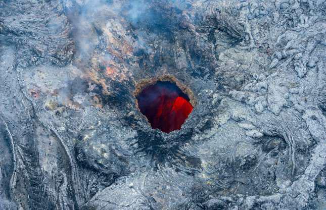 Núi lửa phun trào là một trong những hiện tượng tự nhiên mạnh mẽ nhất trên hành tinh