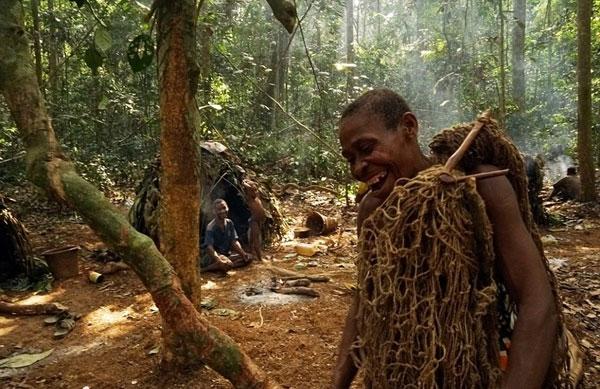 Phần lớn những thợ săn cạnh tranh với tộc người Baka đều tới từ tộc người Bantu