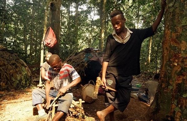 Người dân tại đây chủ yếu sống nhờ vào công việc săn bắn.