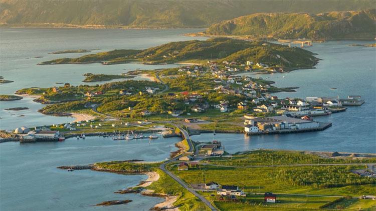Hòn đảo Mặt Trời chiếu sáng toàn bộ 69 ngày.