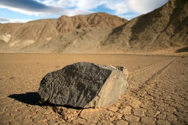 Hòn đá biết đi tại Thung lũng chết
