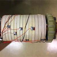 Nam châm siêu dẫn mạnh nhất thế giới, kích cỡ tương đương với cuộn giấy vệ sinh