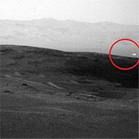 Bí ẩn ánh sáng trắng kỳ quái xuất hiện chớp nhoáng trên sao Hỏa