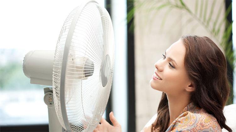 Quạt ít có tác dụng khi không khí ẩm.