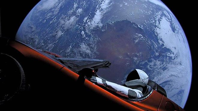Xe nhanh nhất trong không gian